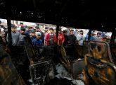 ഇറാഖിന്റെ തലസ്ഥാനമായ ബാഗ്ദാദില് കാര് ബോബ് സോഫോടനത്തില് തകര്ന്ന ബസ്. 36 പേരാണ് ഈ ആക്രമണത്തില് കൊല്ലപ്പെട്ടത്.